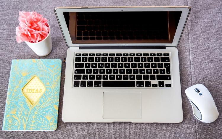 laptop-2345503_1920